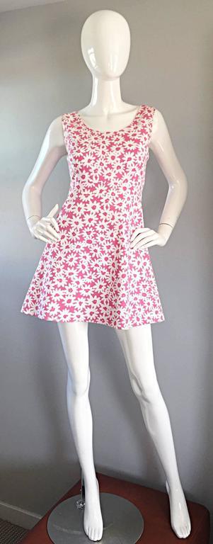 Adorable 1990s Jill Stuart Pink + White Daisy Print A - Line 90s Babydoll Dress  For Sale 4