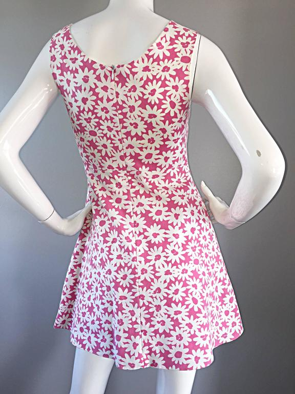 Adorable 1990s Jill Stuart Pink + White Daisy Print A - Line 90s Babydoll Dress  For Sale 3