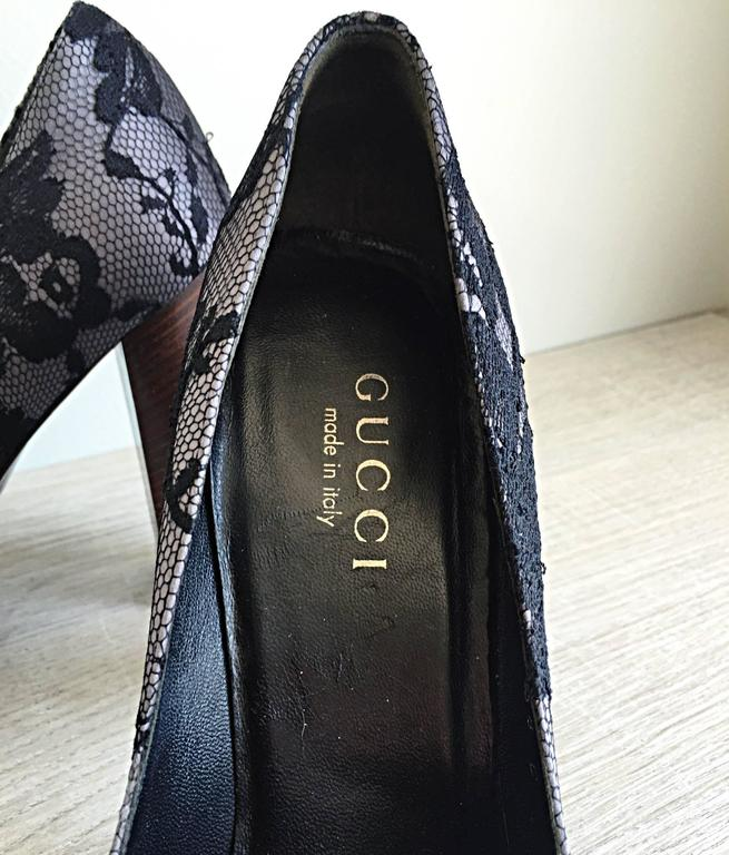 Tom Ford for Gucci Black Size 38 / 8 + Gray Lace Silk Platform Heels For Sale 1
