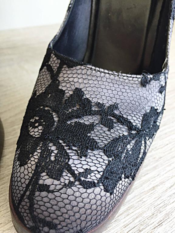 Tom Ford for Gucci Black Size 38 / 8 + Gray Lace Silk Platform Heels For Sale 2