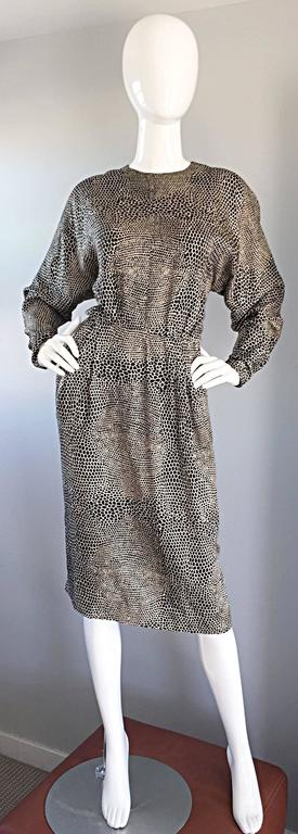 Adele Simpson for Neiman Marcus Vintage Lizard Print Black + Ivory Silk Dress In Excellent Condition For Sale In Chicago, IL