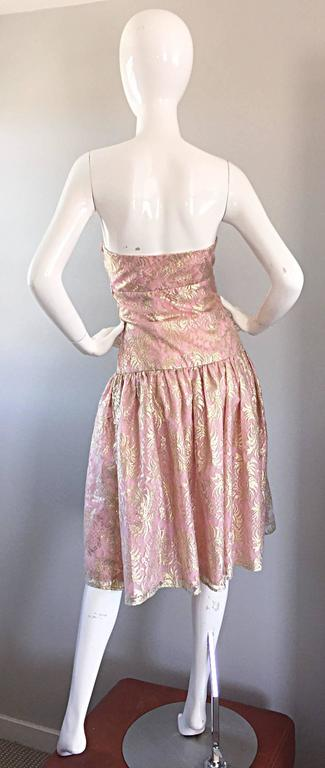 Women's Vintage Halston Pink and Gold Metallic Lace Strapless 1980s 80s Cocktail Dress  For Sale