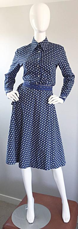 1970s La Provence De Pierre Deux Blue Printed Vintage Wrap Skirt and Blouse Set In Excellent Condition For Sale In Chicago, IL