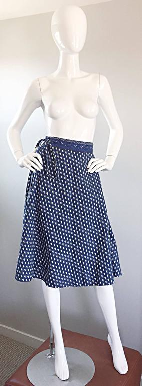 1970s La Provence De Pierre Deux Blue Printed Vintage Wrap Skirt and Blouse Set For Sale 3