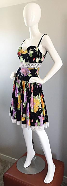 Women's Tracy Feith Black Cotton Floral Print Lace Pretty Sun Dress w/ Full Skirt For Sale