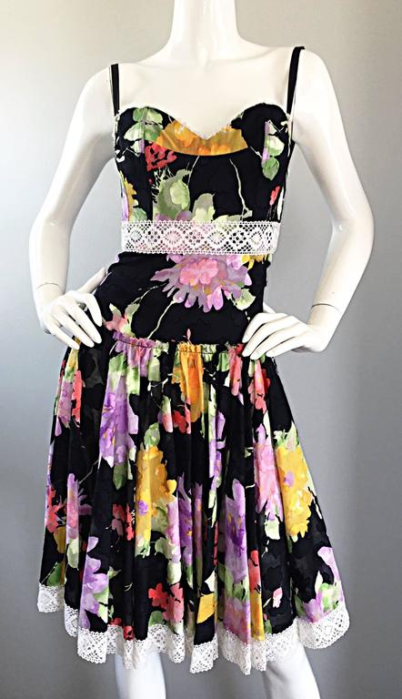 Tracy Feith Black Cotton Floral Print Lace Pretty Sun Dress w/ Full Skirt For Sale 5
