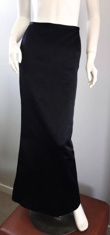 Exceptional Vintage Oscar de la Renta Black Silk Satin Full Length Evening Skirt In Excellent Condition For Sale In San Francisco, CA