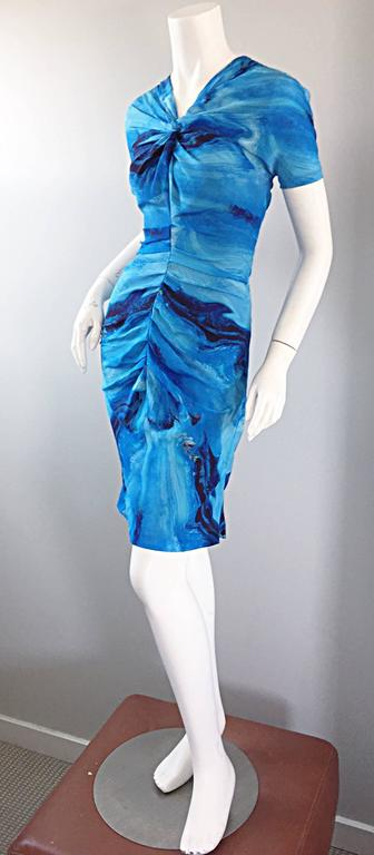 Vera Wang Collection 1990s Rare ' Ocean Wave ' Print 100% Silk 90s Ruched Dress 7