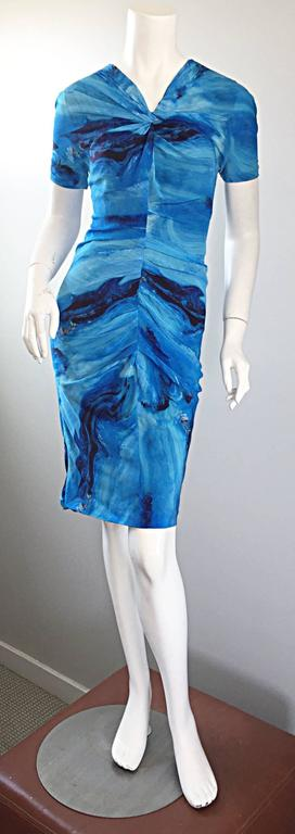 Vera Wang Collection 1990s Rare ' Ocean Wave ' Print 100% Silk 90s Ruched Dress 9