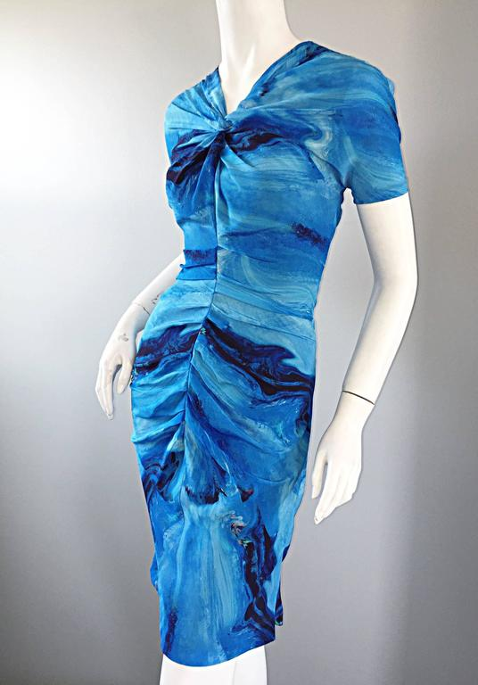 Vera Wang Collection 1990s Rare ' Ocean Wave ' Print 100% Silk 90s Ruched Dress 4