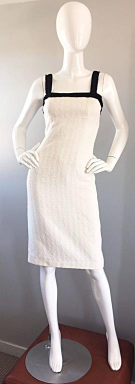 Such a flattering MICHAEL KORS COLLECTION (Made in Italy) white and black textured cotton and silk dress. Signature Kors quality and fit...There is a reason Michael Kors has a bit of a 'cult' following amongst his loyal clientele! I can attest to