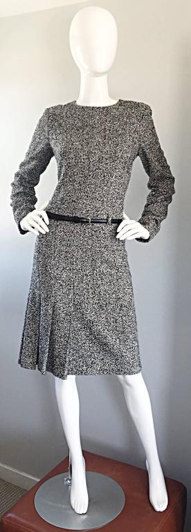 Oscar de la Renta 1990s Size 10 Black and White Tweed Long Sleeve Belted Dress  For Sale 4
