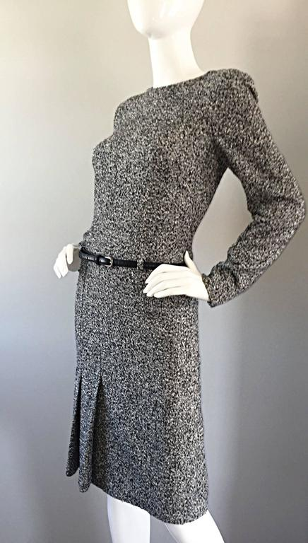 Gray Oscar de la Renta 1990s Size 10 Black and White Tweed Long Sleeve Belted Dress  For Sale
