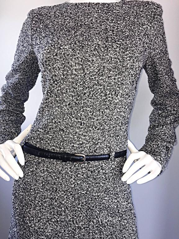 Oscar de la Renta 1990s Size 10 Black and White Tweed Long Sleeve Belted Dress  In Excellent Condition For Sale In Chicago, IL