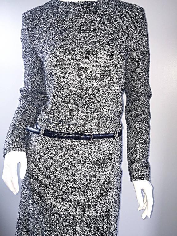 Oscar de la Renta 1990s Size 10 Black and White Tweed Long Sleeve Belted Dress  For Sale 2