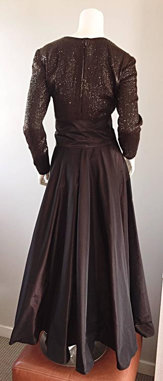1990s Pamela Dennis Couture Size 8 Vintage Chocolate Brown Sequin Taffeta Gown In Excellent Condition For Sale In Chicago, IL