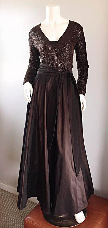 1990s Pamela Dennis Couture Size 8 Vintage Chocolate Brown Sequin Taffeta Gown For Sale 4