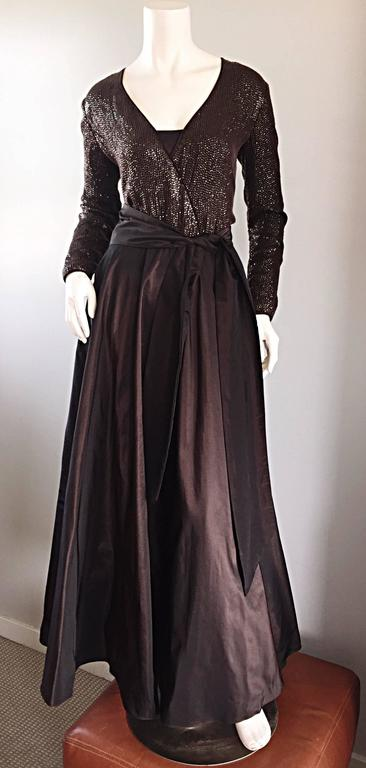 1990s Pamela Dennis Couture Size 8 Vintage Chocolate Brown Sequin Taffeta Gown For Sale 2