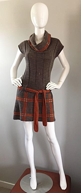 Adorable vintage COCOGIO (Made in ITALY) short sleeve sweater dress! Heather grey / light brown lightweight wool, with burnt orange and Ivory plaid, and a burnt orange matching belt. Amazing cowl neck that can be worn multiple ways. Looks great with