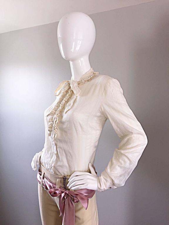 Alexander McQueen NWT Lightweight Cotton Ivory Crochet Pussycat Bow Blouse For Sale 2