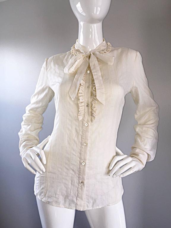 Alexander McQueen NWT Lightweight Cotton Ivory Crochet Pussycat Bow Blouse For Sale 4