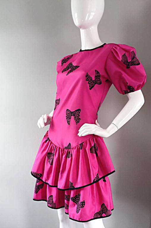 Rare 80s Betsey Johnson Punk Label Hot Pink + Black Bow Print Novelty Dress For Sale 3