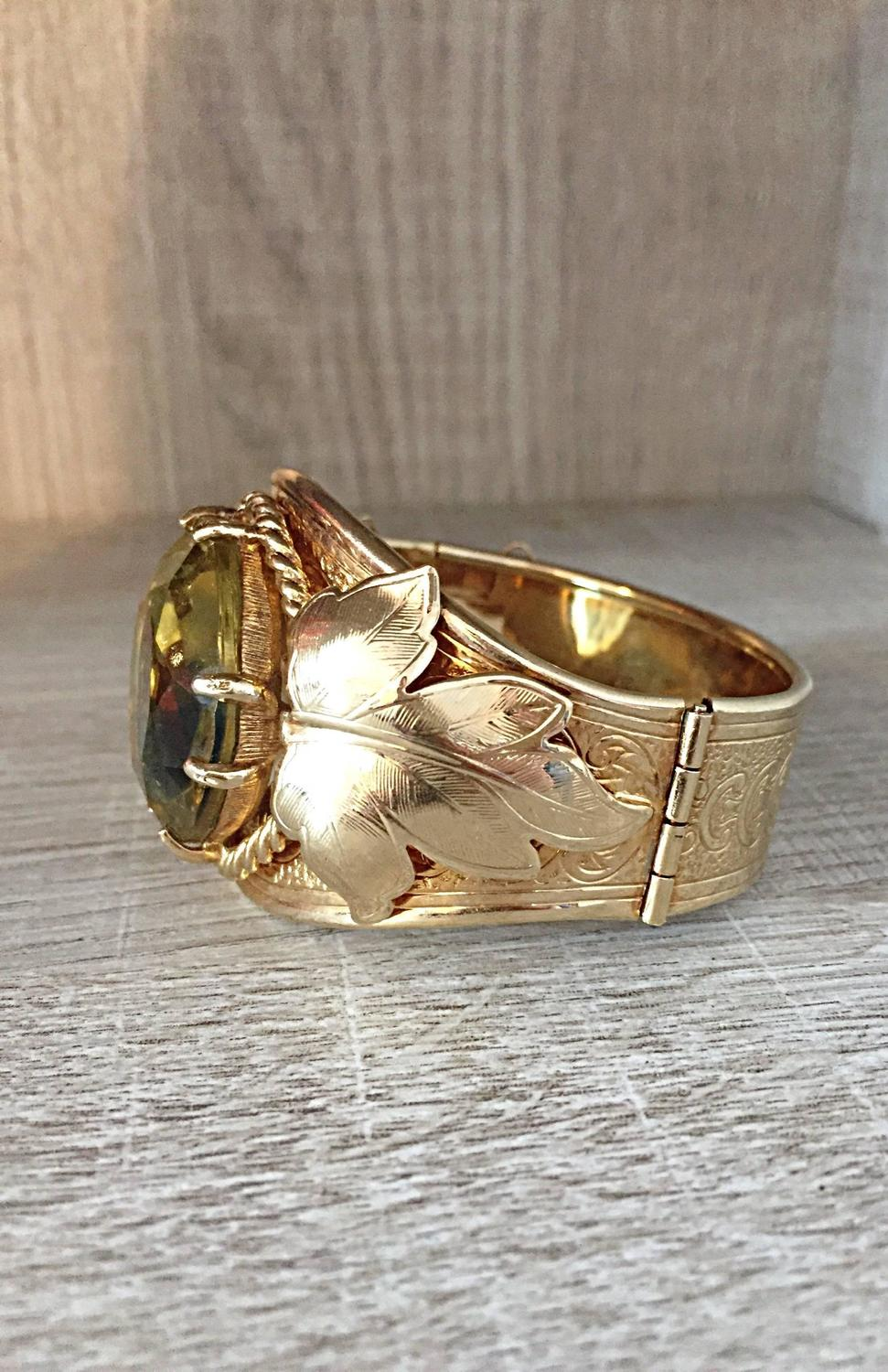 Beautiful Vintage 1970s Sarah Coventry Gold Plated