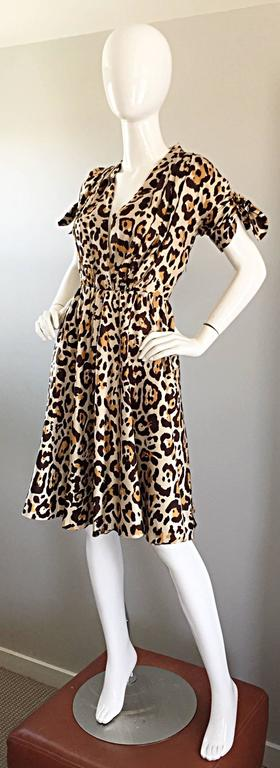 John Galliano Christian Dior Size 10 Leopard Cheetah 1940s Style Silk Dress In Excellent Condition For Sale In Chicago, IL