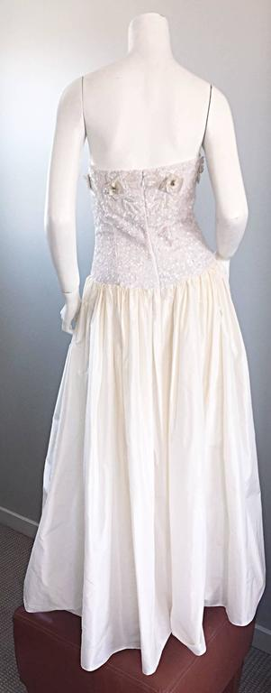 Beautiful Vintage Richilene White Silk Taffeta Sequin Beaded Evening Gown Dress In Excellent Condition For Sale In Chicago, IL