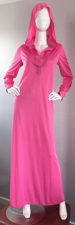 Geoffrey Beene Vintage Pink Hooded Caftan Long Sleeve Maxi Dress For Sale 5