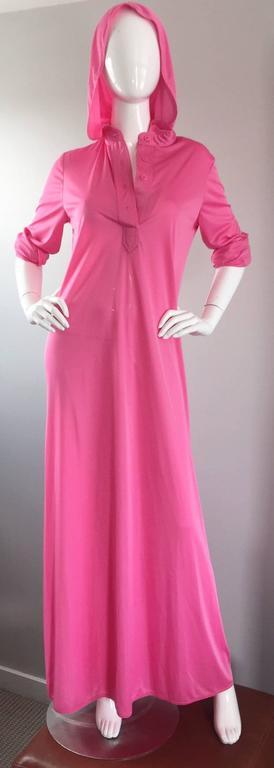 Geoffrey Beene Vintage Pink Hooded Caftan Long Sleeve Maxi Dress For Sale 4