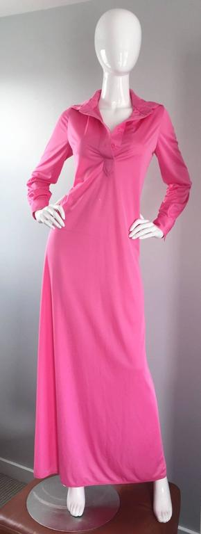 Geoffrey Beene Vintage Pink Hooded Caftan Long Sleeve Maxi Dress For Sale 2