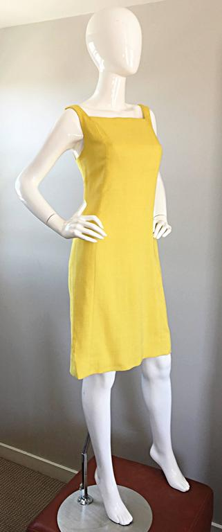 1960s Paul Stanley New York Canary Yellow Vintage Linen 60s A - Line Shift Dress For Sale 2