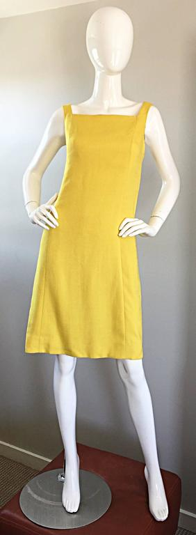 1960s Paul Stanley New York Canary Yellow Vintage Linen 60s A - Line Shift Dress For Sale 5