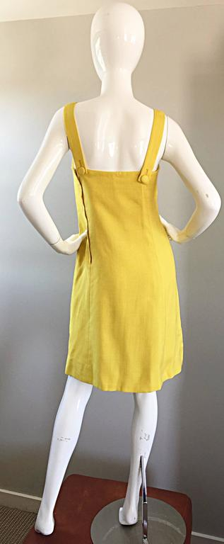 Women's 1960s Paul Stanley New York Canary Yellow Vintage Linen 60s A - Line Shift Dress For Sale