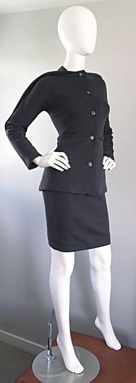 Geoffrey Beene Vintage Charcoal Gray 1990s Avant Garde Skirt Suit Ensemble Sz 6 For Sale 3