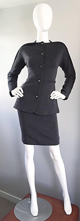 Geoffrey Beene Vintage Charcoal Gray 1990s Avant Garde Skirt Suit Ensemble Sz 6 For Sale 5