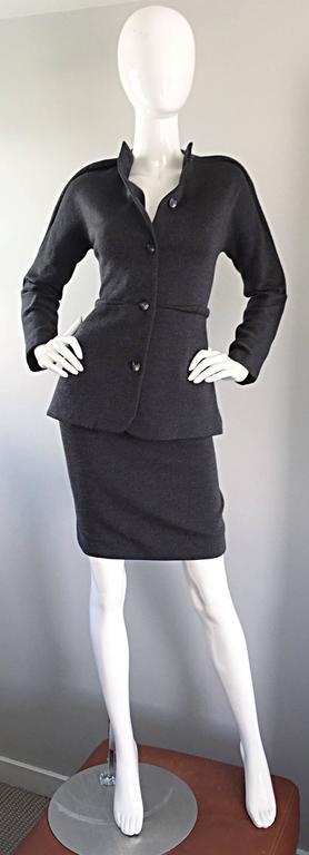 Women's Geoffrey Beene Vintage Charcoal Gray 1990s Avant Garde Skirt Suit Ensemble Sz 6 For Sale