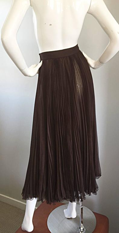 Exceptional Vintage Valentino Chocolate Brown Silk Chiffon Pleated Midi Skirt For Sale 3