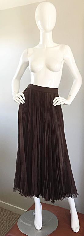Exceptional Vintage Valentino Chocolate Brown Silk Chiffon Pleated Midi Skirt For Sale 4