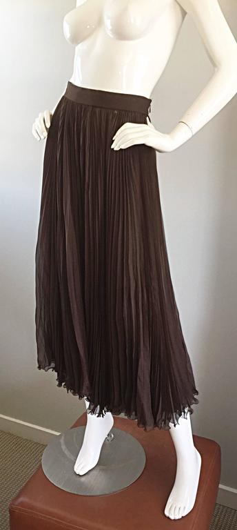 Black Exceptional Vintage Valentino Chocolate Brown Silk Chiffon Pleated Midi Skirt For Sale