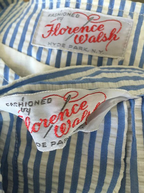 1960s Florence Walsh Vintage Seersucker Blue and White Striped Cotton 60s Suit For Sale 4