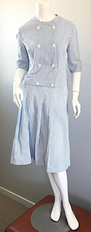 1960s Florence Walsh Vintage Seersucker Blue and White Striped Cotton 60s Suit For Sale 3