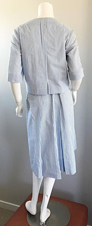 1960s Florence Walsh Vintage Seersucker Blue and White Striped Cotton 60s Suit For Sale 2