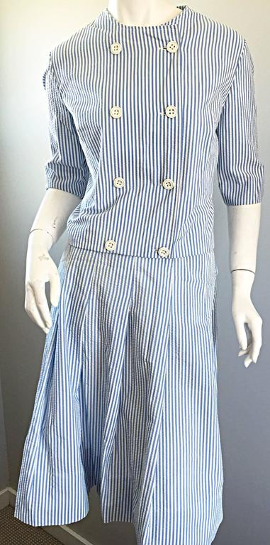 1960s Florence Walsh Vintage Seersucker Blue and White Striped Cotton 60s Suit For Sale 1