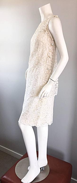 Lisa Howard Vintage White Lace 1960s 60s Rhinestone Buttons Tiered Shift Dress For Sale 1