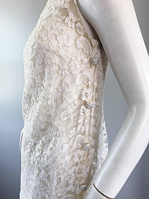 Lisa Howard Vintage White Lace 1960s 60s Rhinestone Buttons Tiered Shift Dress For Sale 4