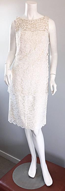 Lisa Howard Vintage White Lace 1960s 60s Rhinestone Buttons Tiered Shift Dress For Sale 5
