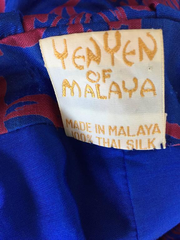 1960s Yen Yen of Malaya Blue & Red Silk Vintage Ruffle 60s Flower Thai Dress For Sale 5
