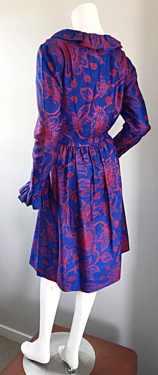 1960s Yen Yen of Malaya Blue & Red Silk Vintage Ruffle 60s Flower Thai Dress For Sale 3
